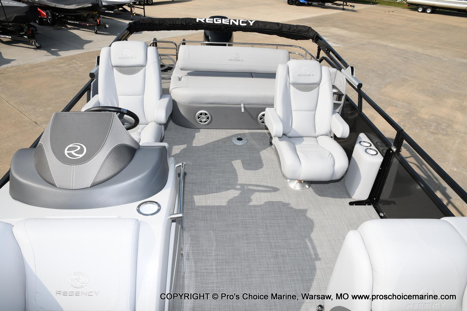 2021 Regency boat for sale, model of the boat is 250 LE3 Sport w/350HP Verado & Image # 32 of 50