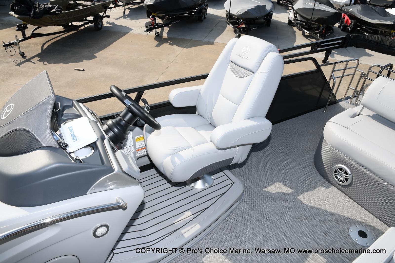 2021 Regency boat for sale, model of the boat is 250 LE3 Sport w/350HP Verado & Image # 33 of 50