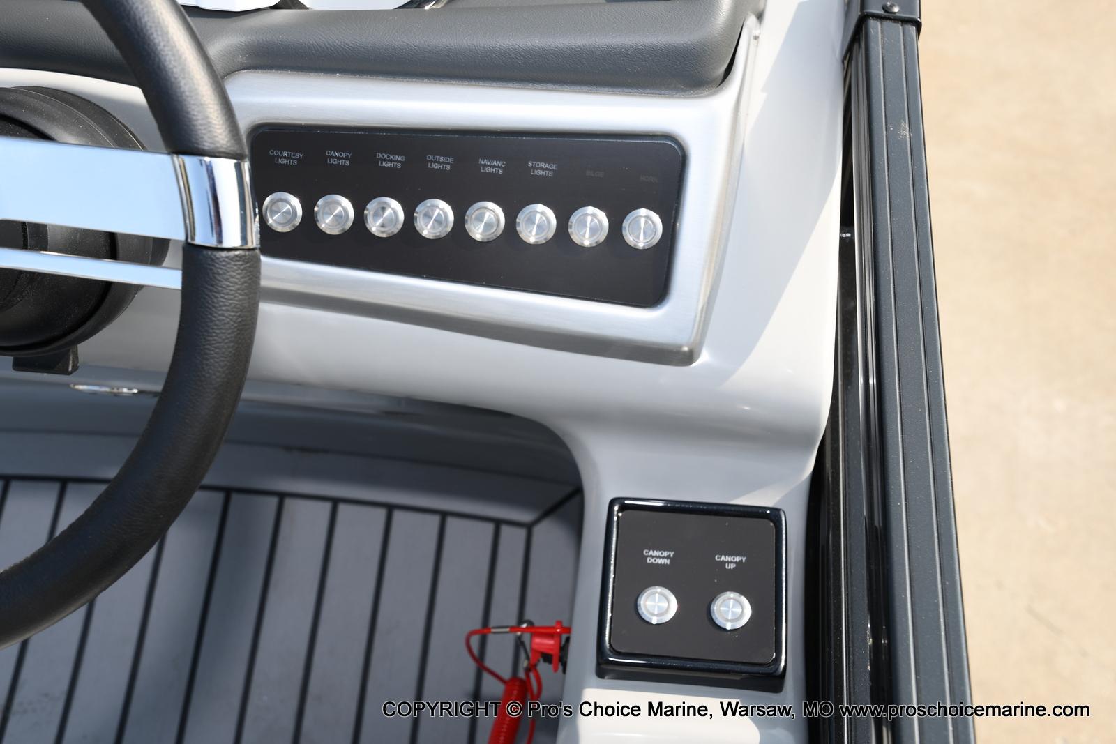 2021 Regency boat for sale, model of the boat is 250 LE3 Sport w/350HP Verado & Image # 36 of 50