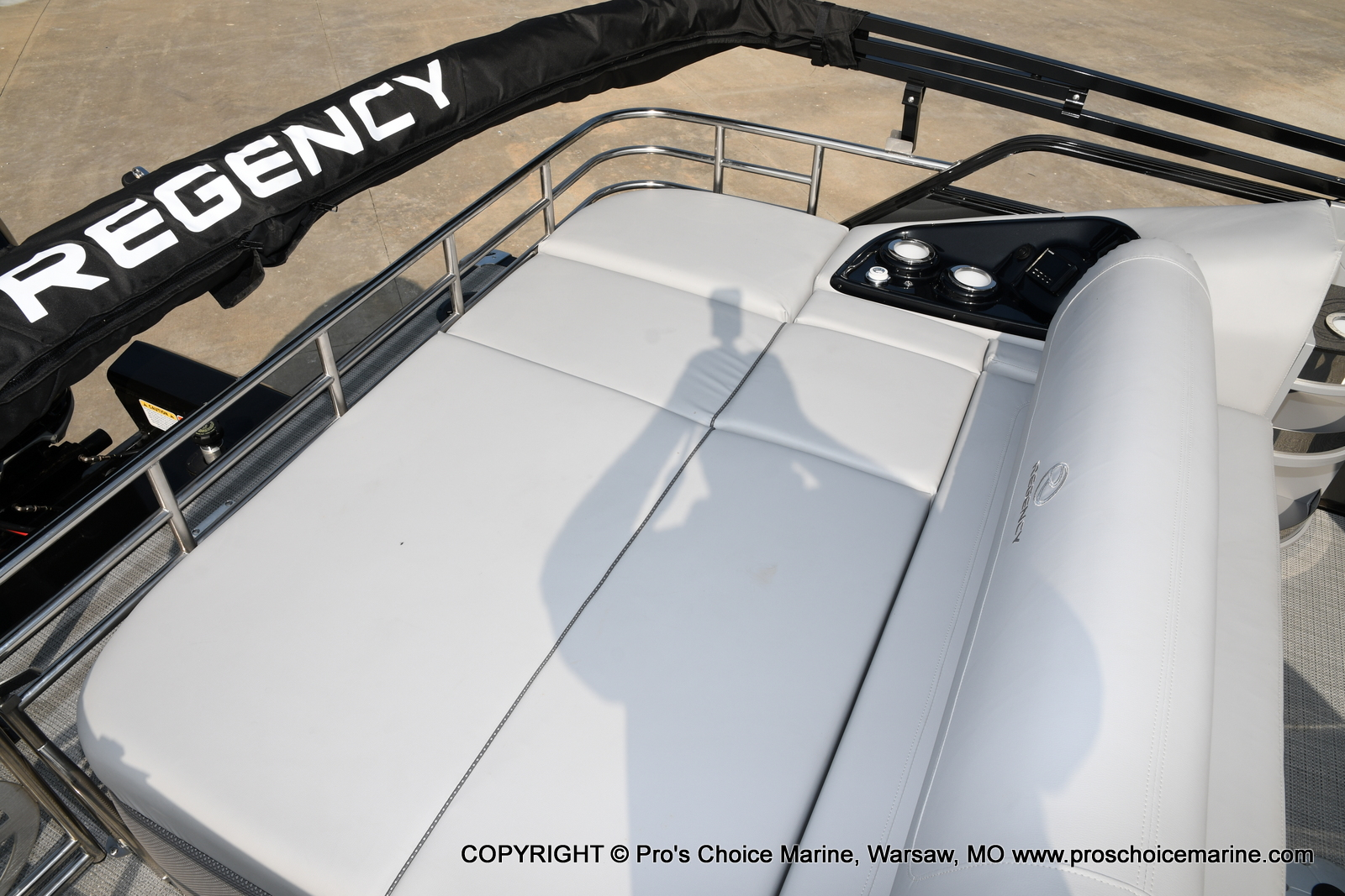 2021 Regency boat for sale, model of the boat is 250 LE3 Sport w/350HP Verado & Image # 38 of 50