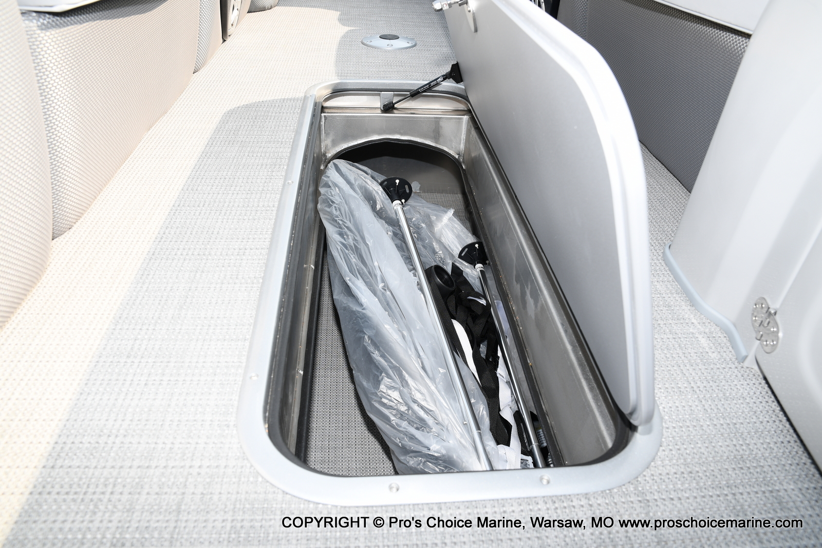 2021 Regency boat for sale, model of the boat is 250 LE3 Sport w/350HP Verado & Image # 8 of 50