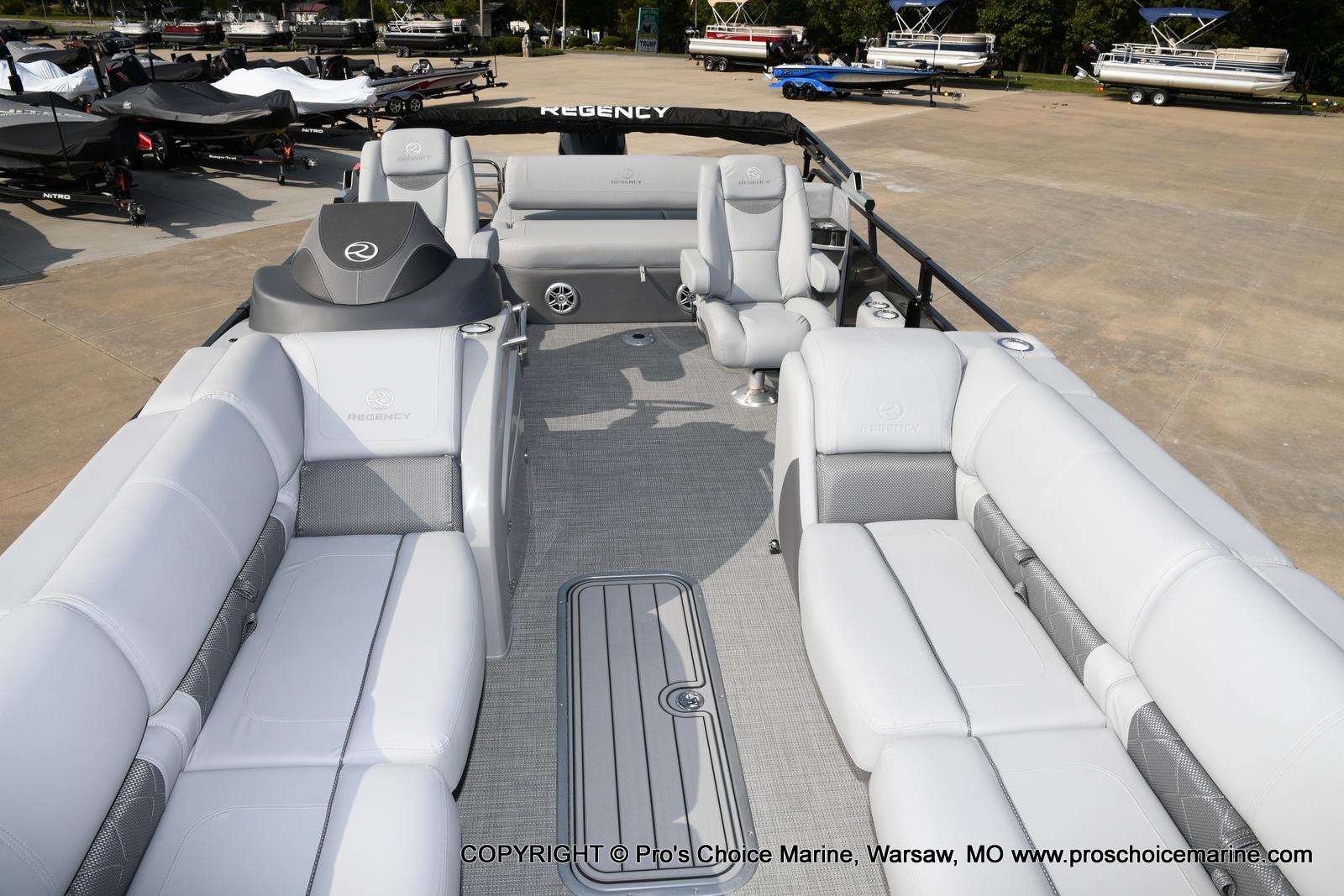 2021 Regency boat for sale, model of the boat is 250 LE3 Sport w/350HP Verado & Image # 46 of 50