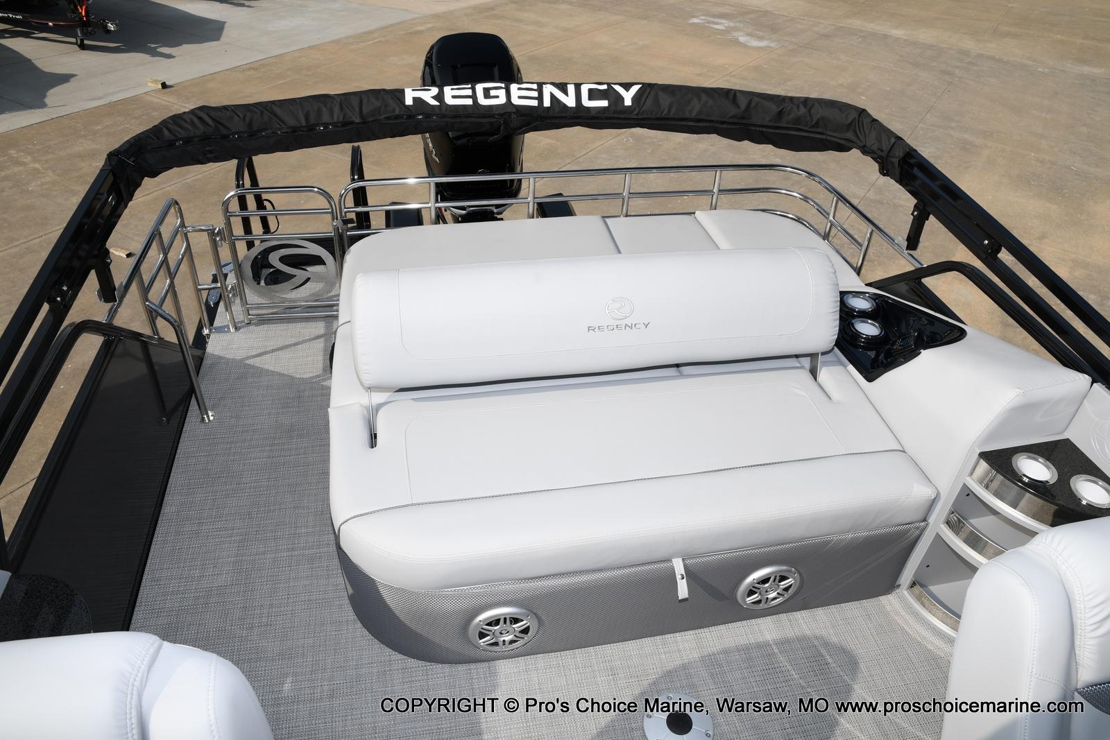 2021 Regency boat for sale, model of the boat is 250 LE3 Sport w/350HP Verado & Image # 47 of 50