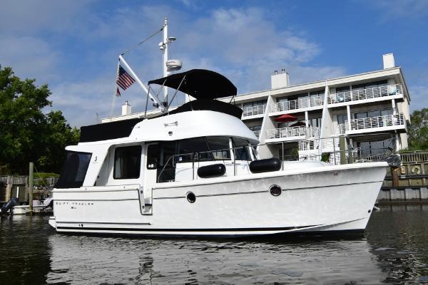 2011 BENETEAU 34 Swift Trawler thumbnail