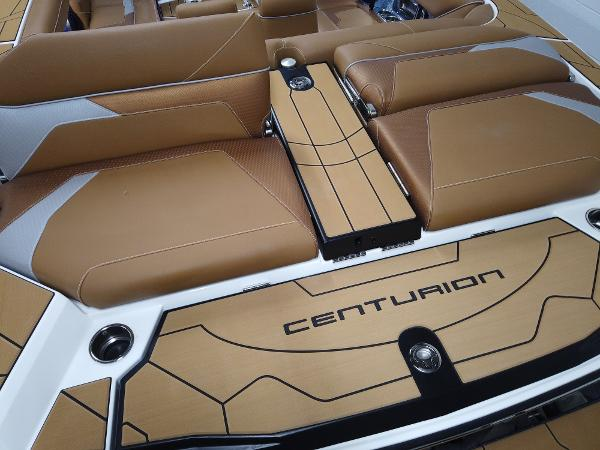 2021 Centurion boat for sale, model of the boat is RI265 & Image # 3 of 13