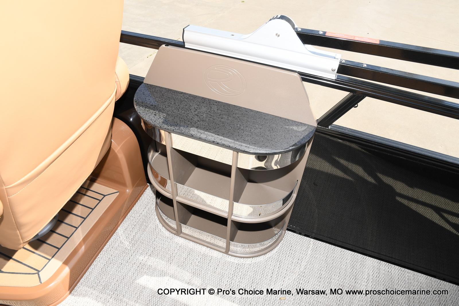2021 Regency boat for sale, model of the boat is 250 LE3 Sport w/350HP Verado & Image # 12 of 50