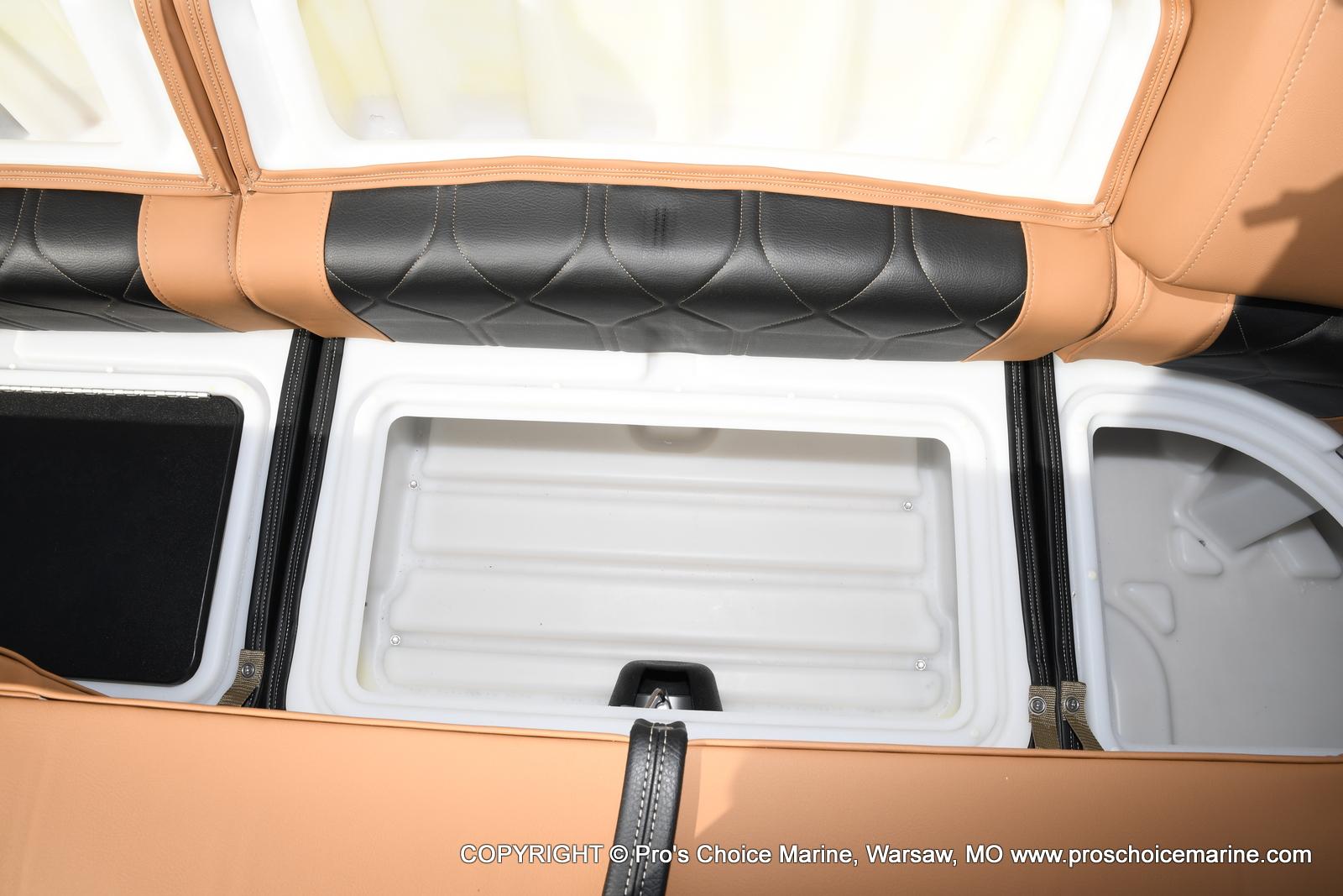 2021 Regency boat for sale, model of the boat is 250 LE3 Sport w/350HP Verado & Image # 35 of 50