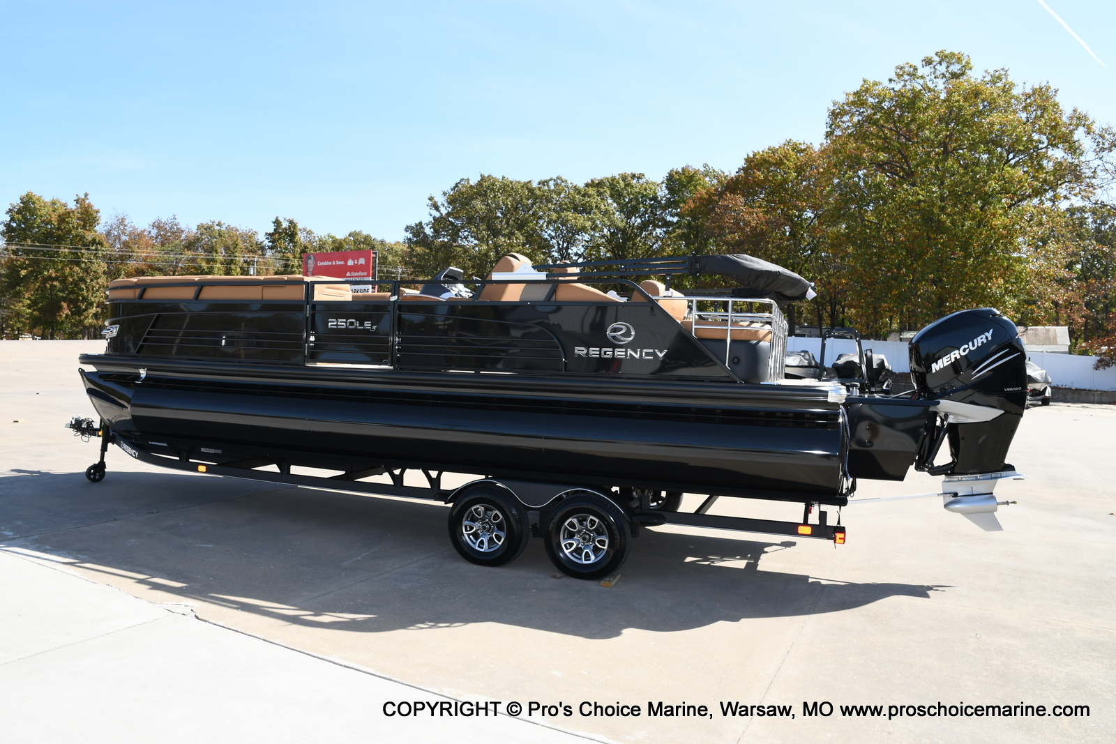 2021 Regency boat for sale, model of the boat is 250 LE3 Sport w/350HP Verado & Image # 37 of 50