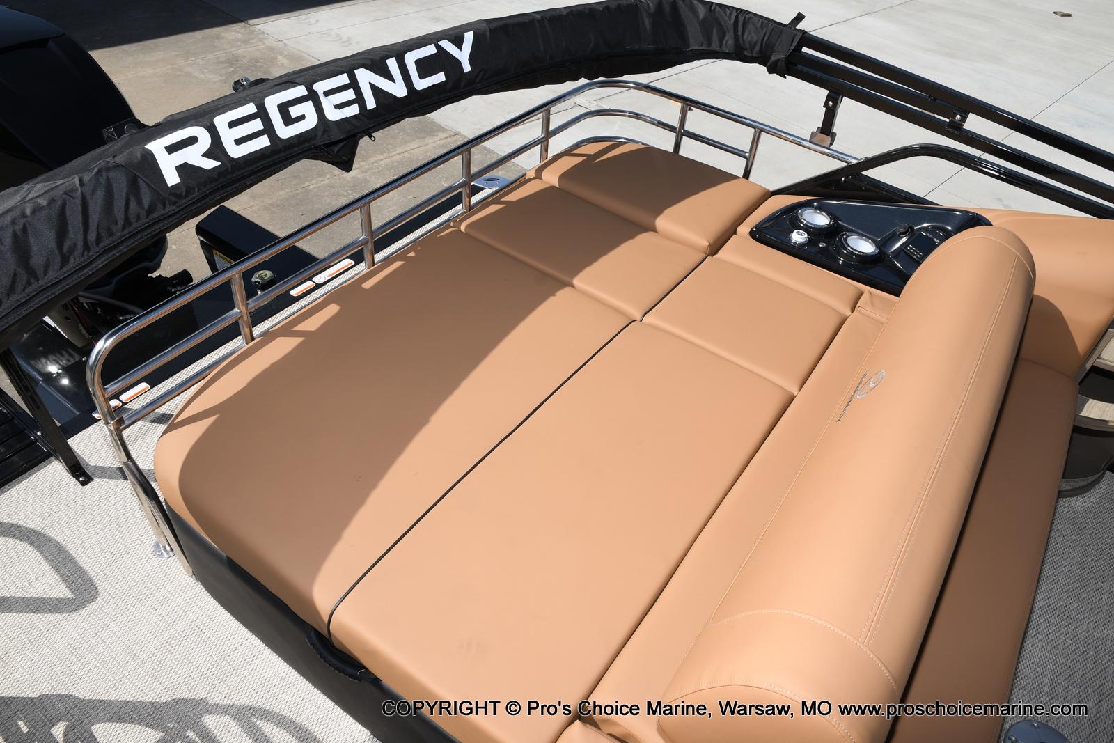 2021 Regency boat for sale, model of the boat is 250 LE3 Sport w/350HP Verado & Image # 41 of 50