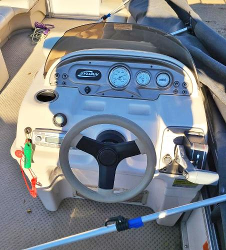 2010 Sylvan boat for sale, model of the boat is Mirage 8522 & Image # 7 of 7