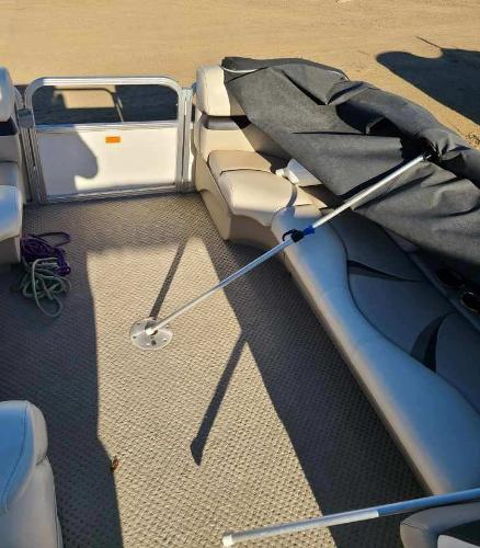 2010 Sylvan boat for sale, model of the boat is Mirage 8522 & Image # 5 of 7