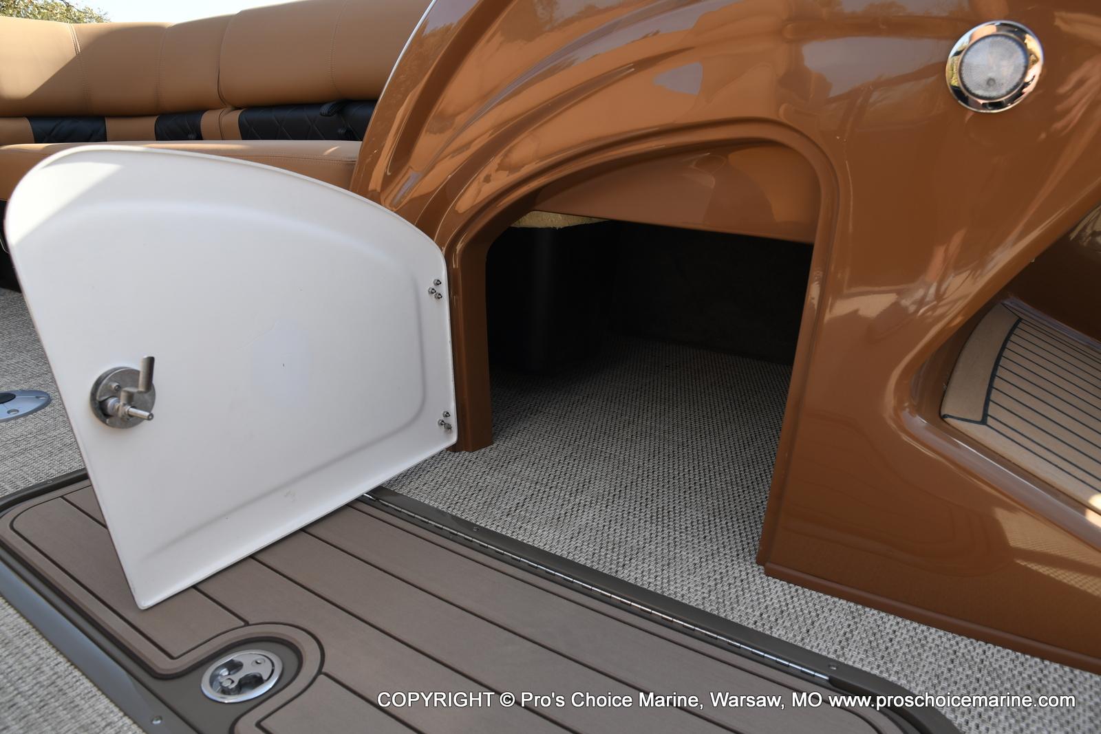 2021 Regency boat for sale, model of the boat is 230 LE3 Sport w/250HP Mercury Verado & Image # 10 of 50