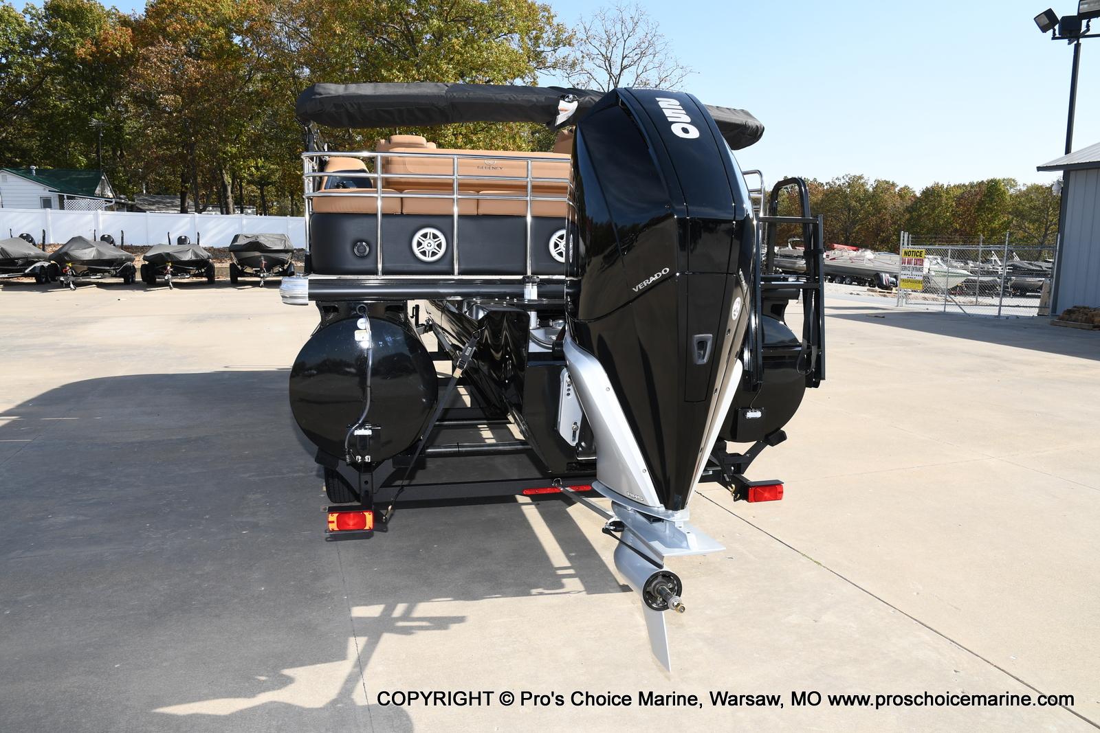 2021 Regency boat for sale, model of the boat is 230 LE3 Sport w/250HP Mercury Verado & Image # 15 of 50
