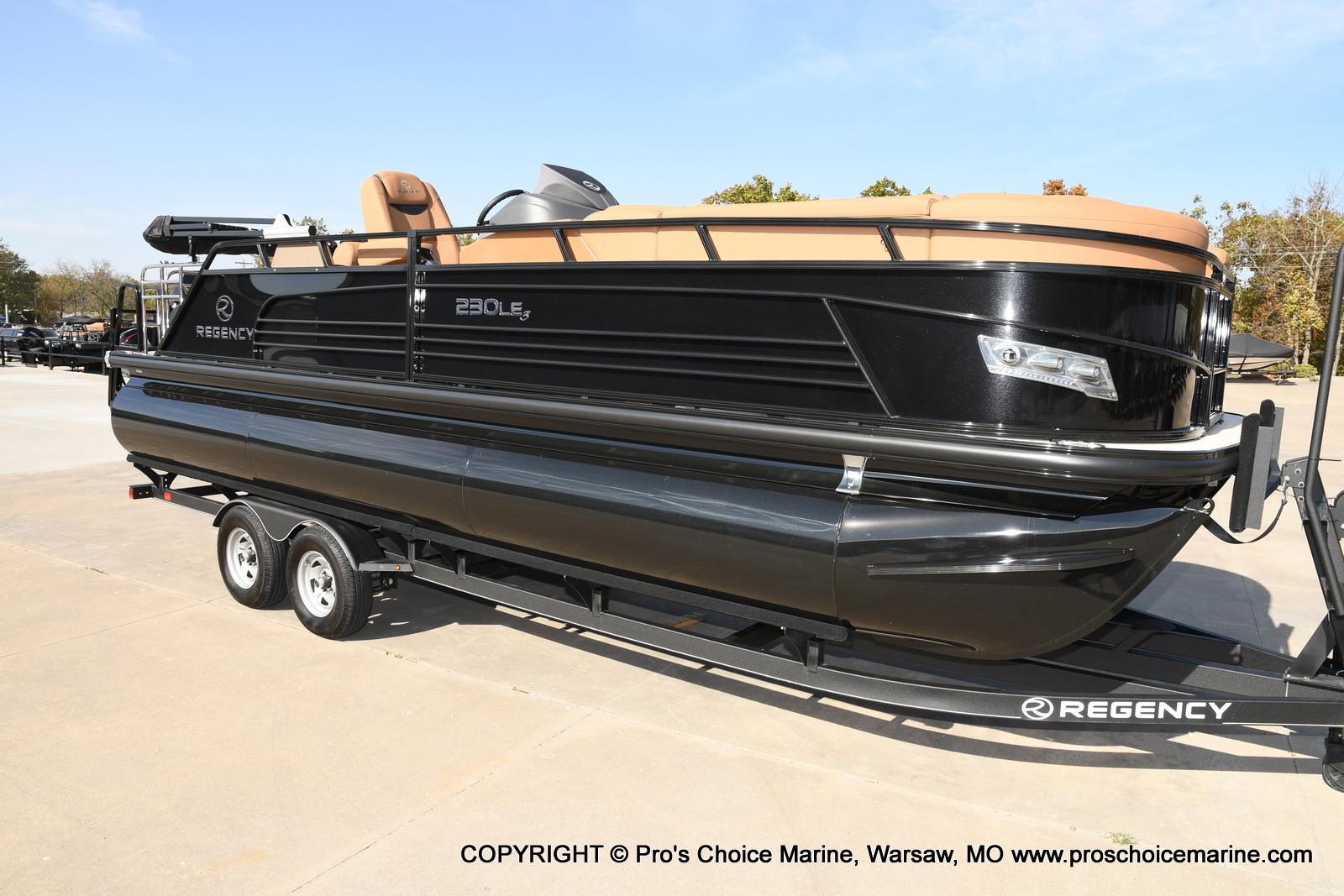 2021 Regency boat for sale, model of the boat is 230 LE3 Sport w/250HP Mercury Verado & Image # 2 of 50