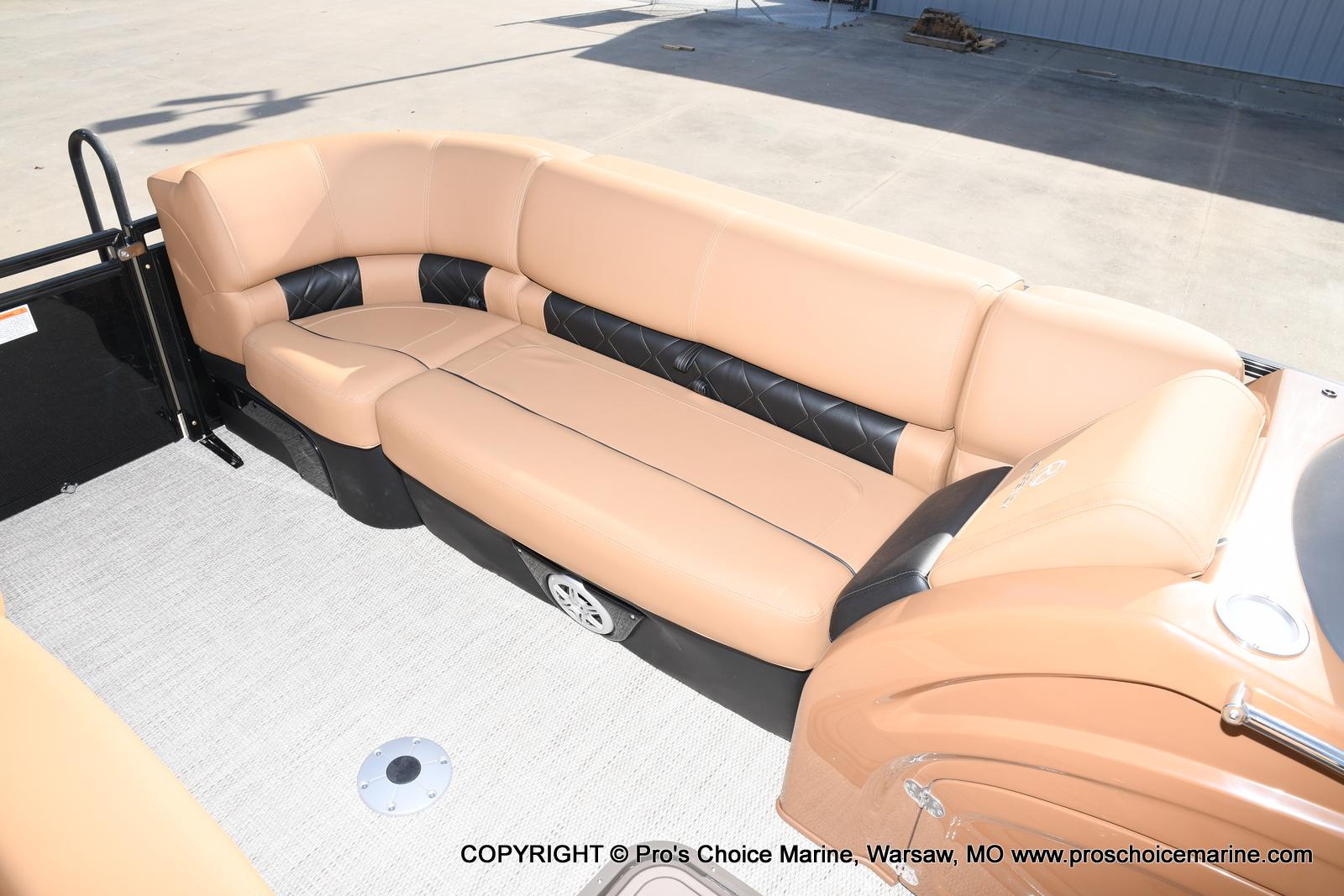 2021 Regency boat for sale, model of the boat is 230 LE3 Sport w/250HP Mercury Verado & Image # 41 of 50