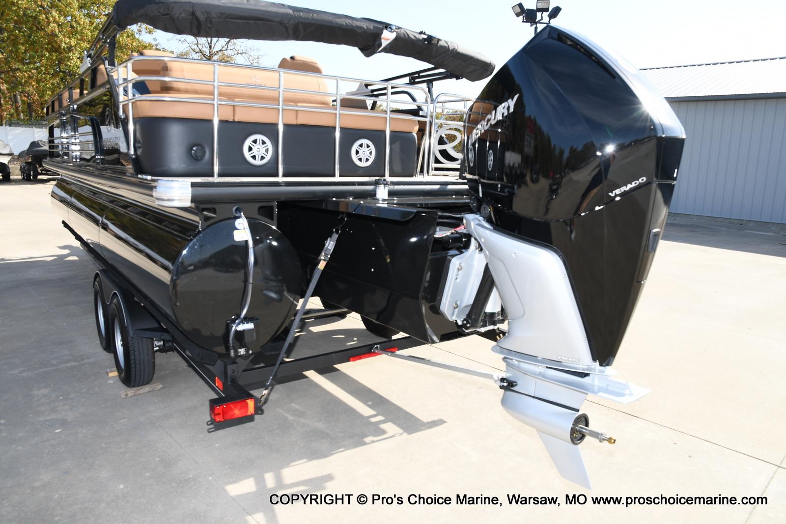 2021 Regency boat for sale, model of the boat is 230 LE3 Sport w/250HP Mercury Verado & Image # 4 of 50
