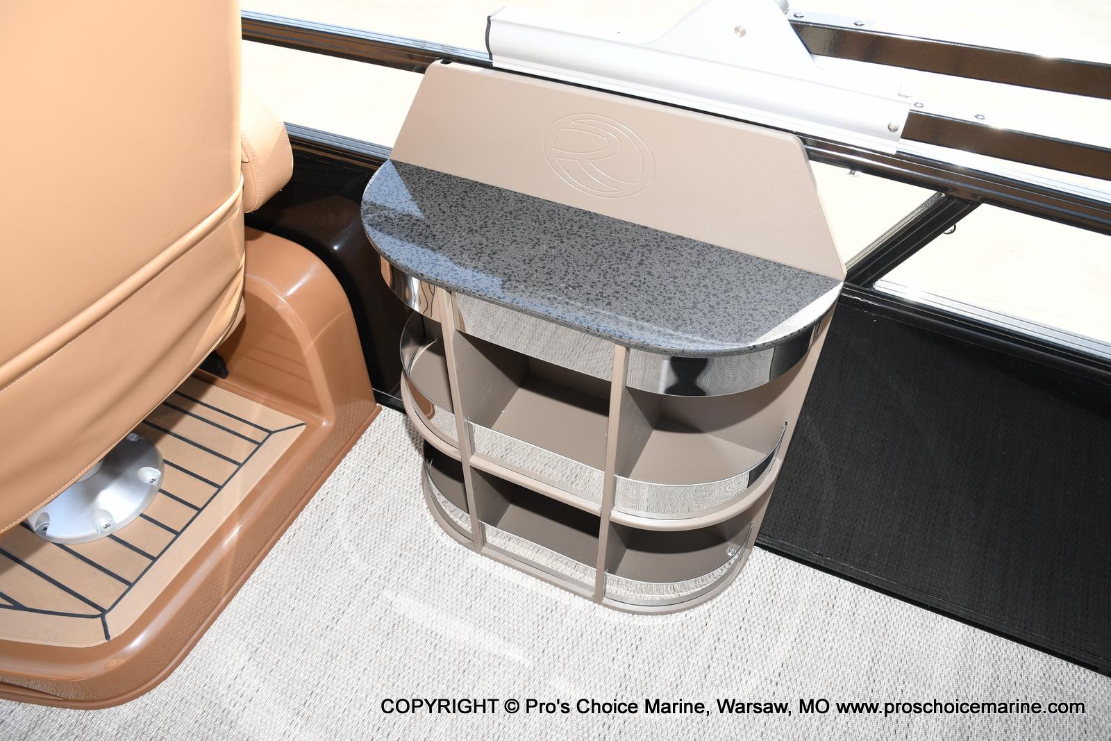 2021 Regency boat for sale, model of the boat is 230 LE3 Sport w/250HP Mercury Verado & Image # 7 of 50