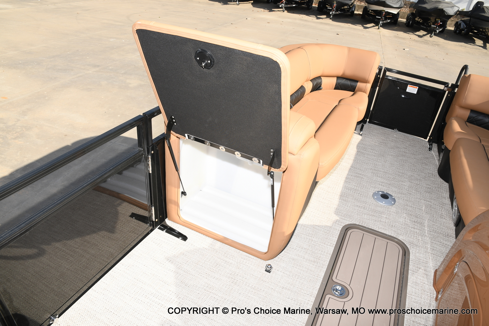 2021 Regency boat for sale, model of the boat is 230 LE3 Sport w/250HP Mercury Verado & Image # 9 of 50