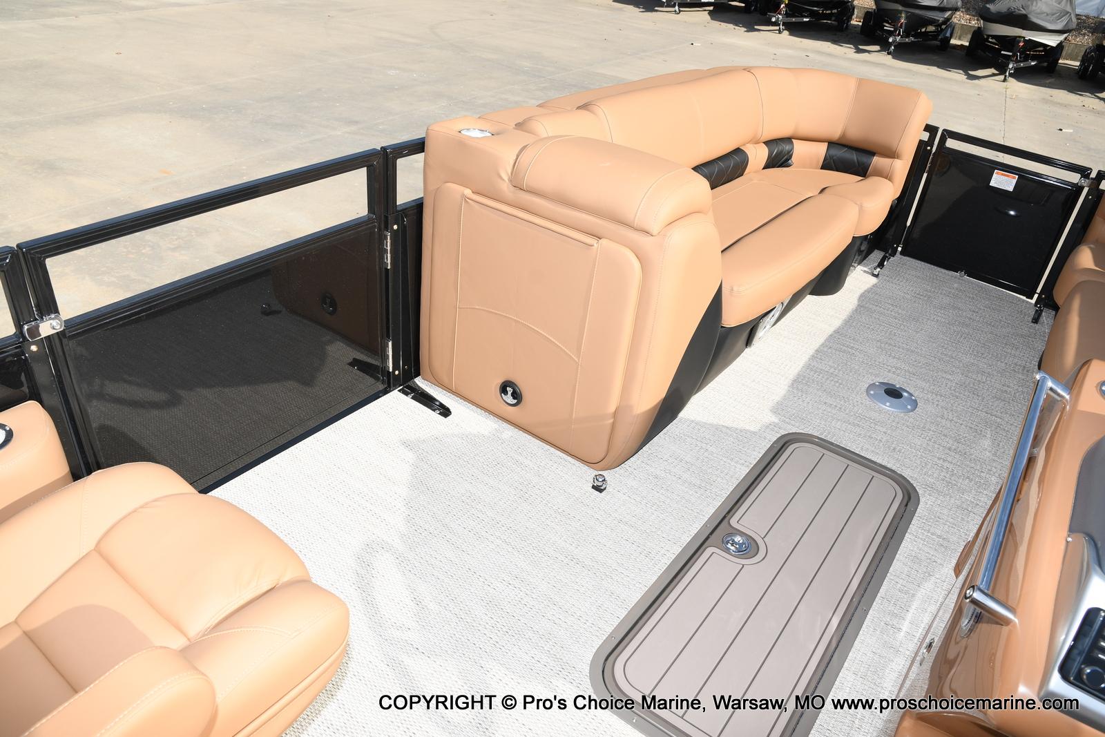 2021 Regency boat for sale, model of the boat is 230 LE3 Sport w/250HP Mercury Verado & Image # 33 of 50