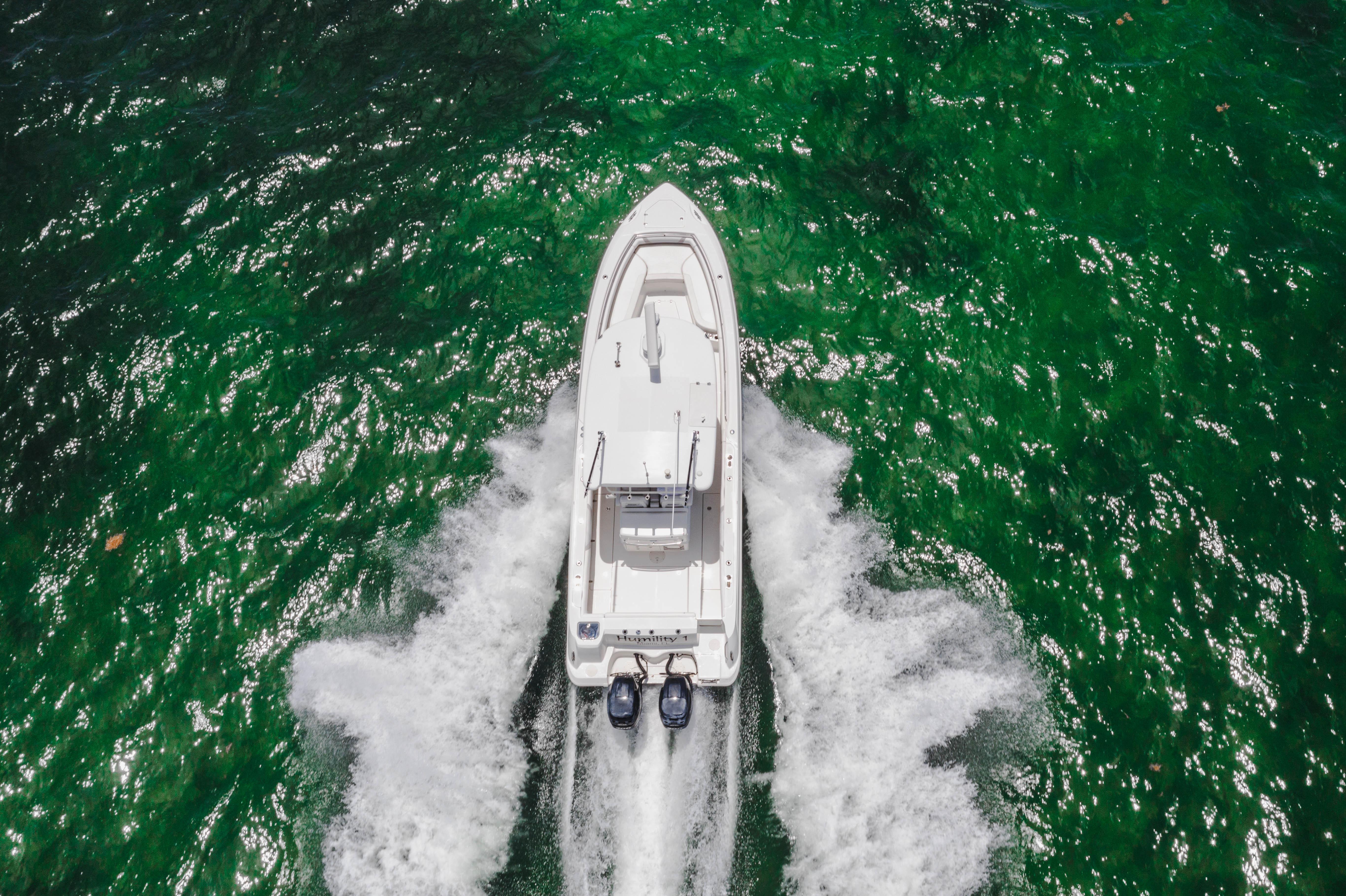 2014 Boston Whaler 320 Outrage