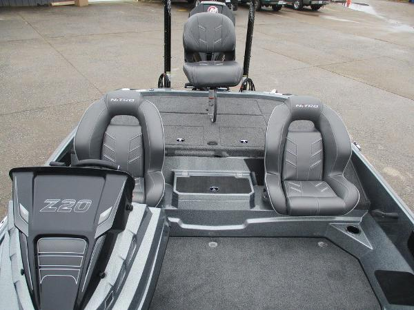 2021 Nitro boat for sale, model of the boat is Z20 Pro & Image # 3 of 13