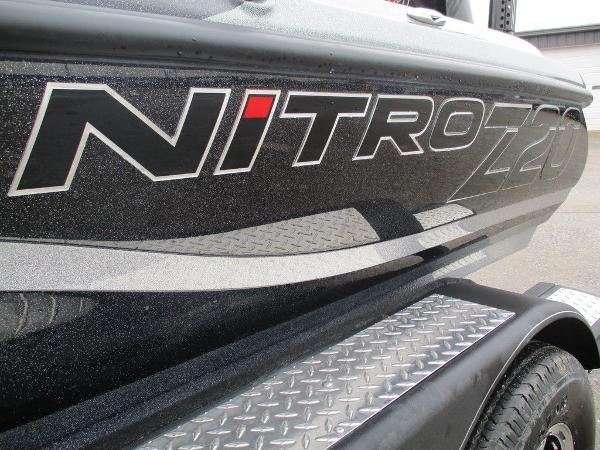 2021 Nitro boat for sale, model of the boat is Z20 Pro & Image # 4 of 13