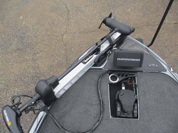 2021 Nitro boat for sale, model of the boat is Z20 Pro & Image # 9 of 13