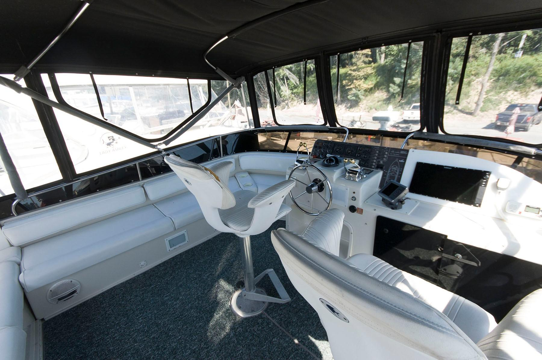 M 4526 RD Knot 10 Yacht Sales