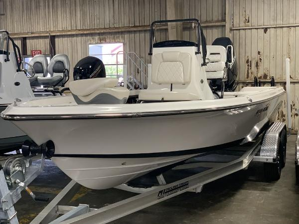 2021 Blue Wave boat for sale, model of the boat is 2200PUREBAY & Image # 2 of 13