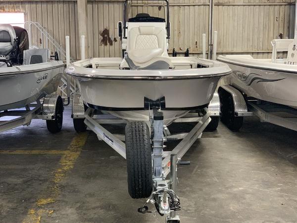 2021 Blue Wave boat for sale, model of the boat is 2200PUREBAY & Image # 4 of 13
