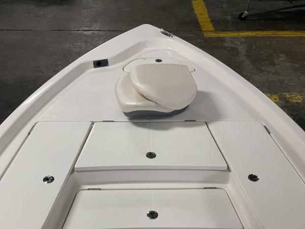 2021 Blue Wave boat for sale, model of the boat is 2200PUREBAY & Image # 11 of 13