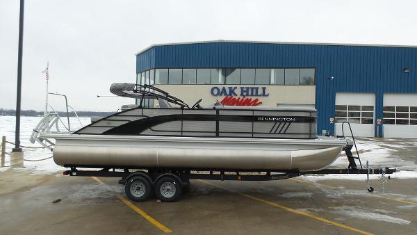 2021 Bennington boat for sale, model of the boat is 23 LSB & Image # 1 of 25