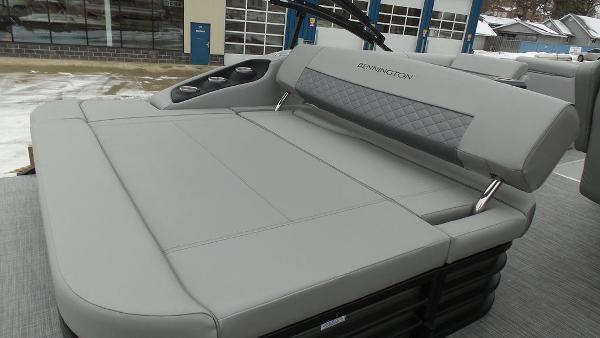 2021 Bennington boat for sale, model of the boat is 23 LSB & Image # 20 of 25