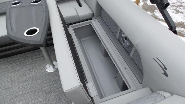 2021 Bennington boat for sale, model of the boat is 23 LSB & Image # 23 of 25