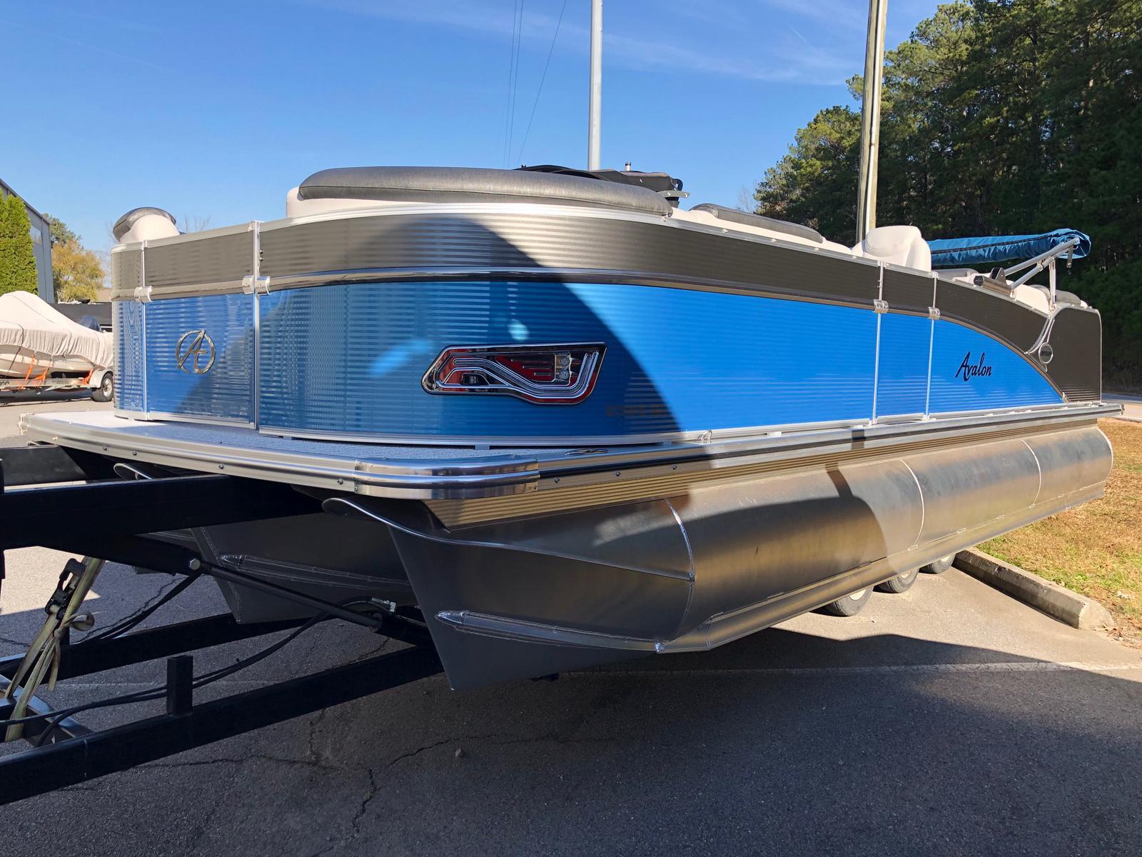 2021 AVALON 2385 Catalina Quad Lounger
