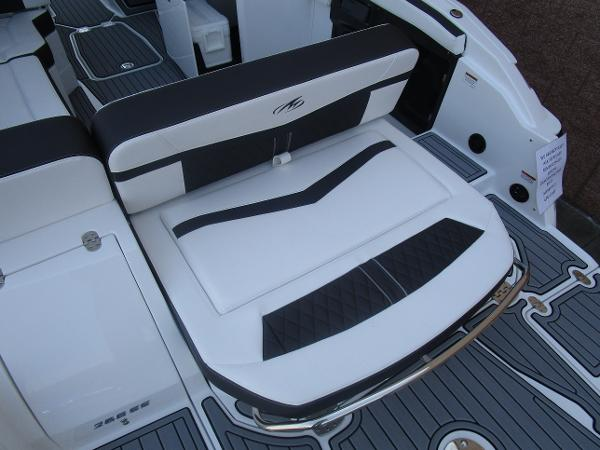 2021 Monterey boat for sale, model of the boat is 258SS & Image # 8 of 38