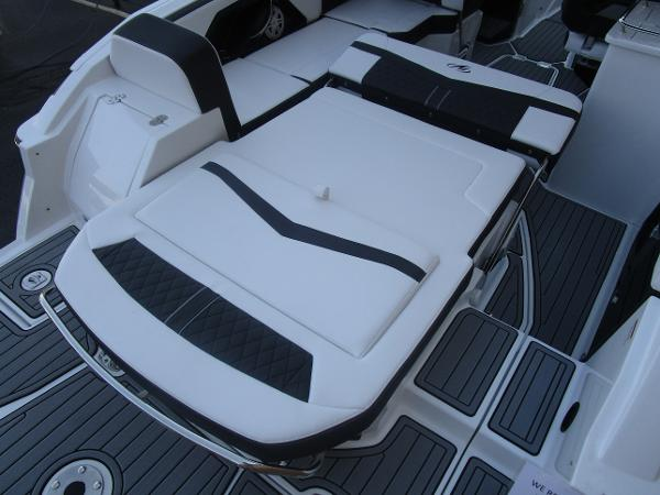 2021 Monterey boat for sale, model of the boat is 258SS & Image # 11 of 38