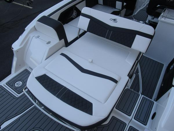 2021 Monterey boat for sale, model of the boat is 258SS & Image # 12 of 38