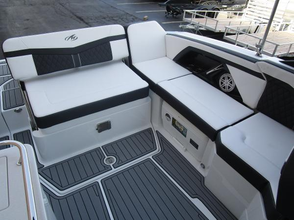 2021 Monterey boat for sale, model of the boat is 258SS & Image # 14 of 38