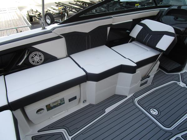 2021 Monterey boat for sale, model of the boat is 258SS & Image # 16 of 38