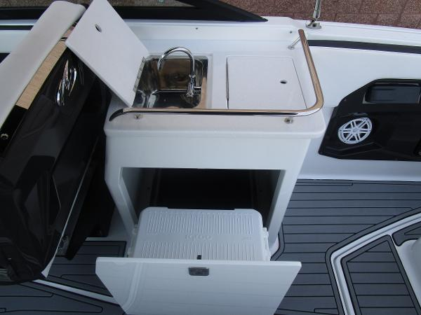 2021 Monterey boat for sale, model of the boat is 258SS & Image # 18 of 38