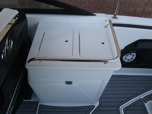 2021 Monterey boat for sale, model of the boat is 258SS & Image # 19 of 38