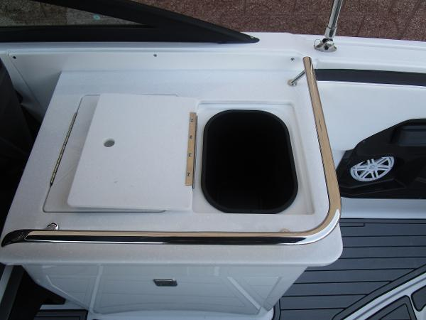 2021 Monterey boat for sale, model of the boat is 258SS & Image # 20 of 38