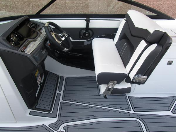 2021 Monterey boat for sale, model of the boat is 258SS & Image # 22 of 38