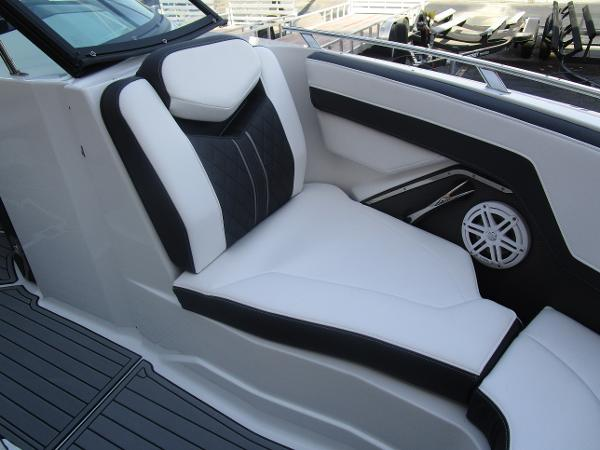 2021 Monterey boat for sale, model of the boat is 258SS & Image # 32 of 38
