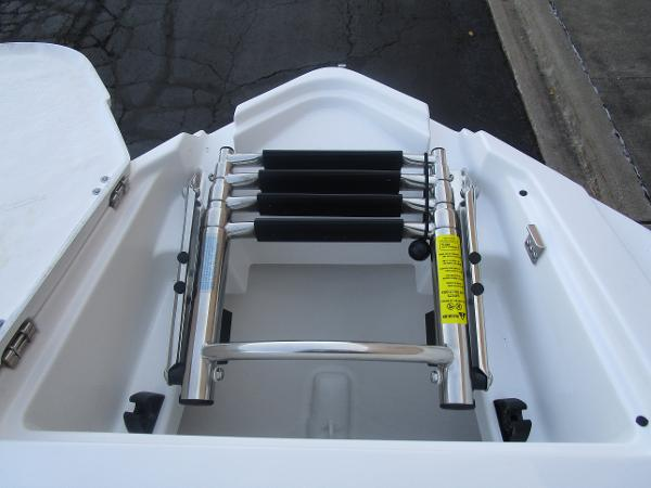 2021 Monterey boat for sale, model of the boat is 258SS & Image # 33 of 38