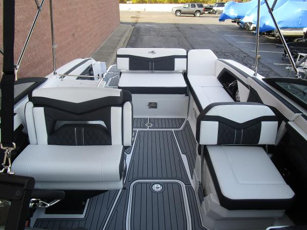 2021 Monterey boat for sale, model of the boat is 258SS & Image # 35 of 38