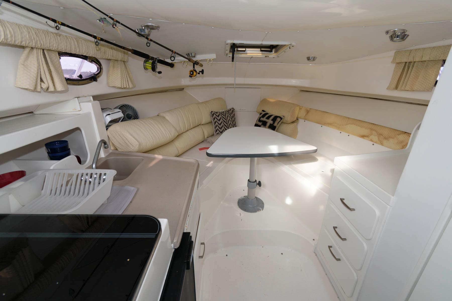 M 5865 JB Knot 10 Yacht Sales
