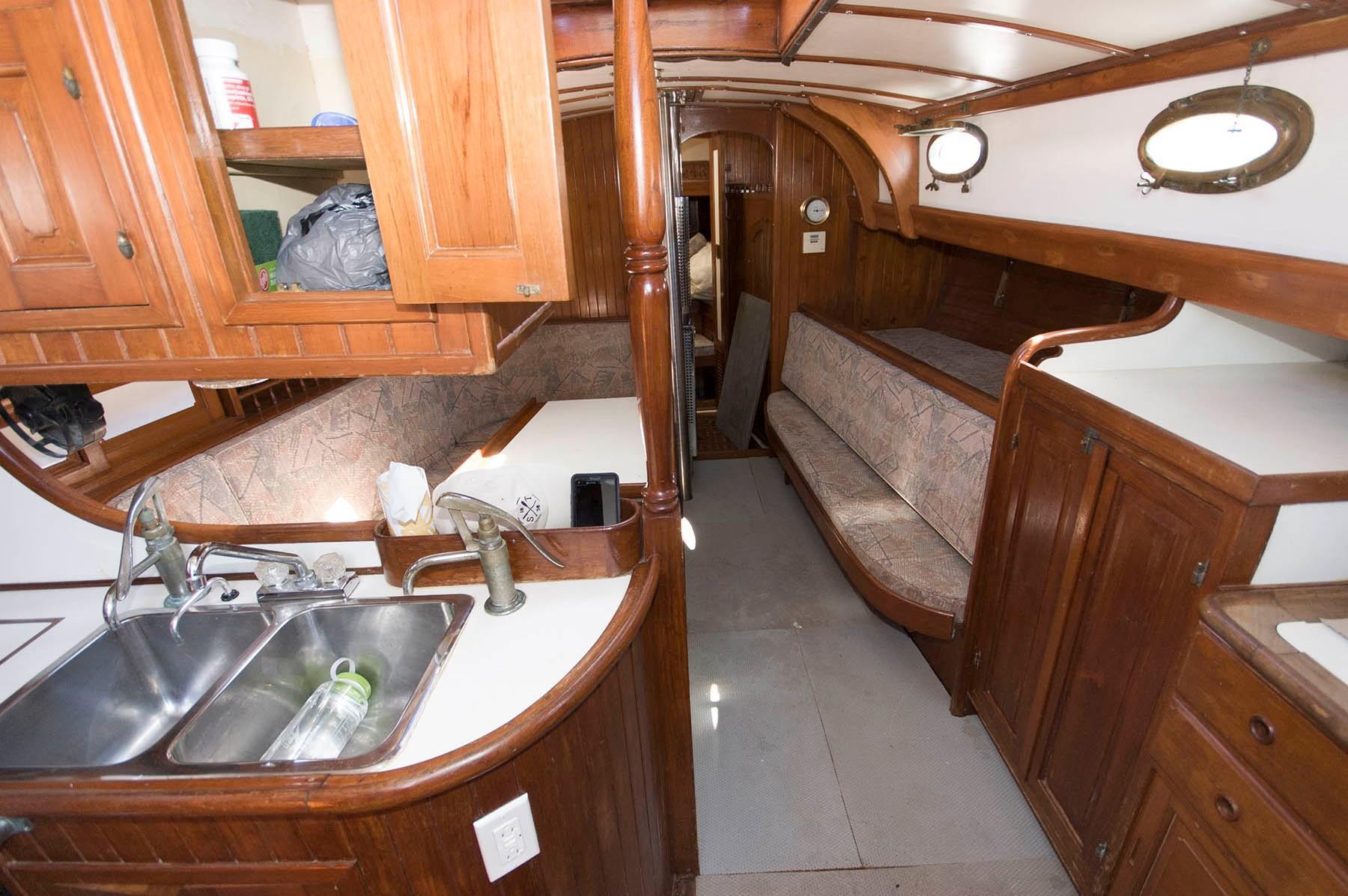 M 5215 JP Knot 10 Yacht Sales