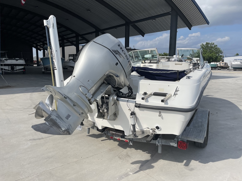 2000 Boston Whaler boat for sale, model of the boat is 180 & Image # 12 of 21